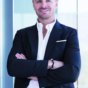 Leo Hillinger Business_4c